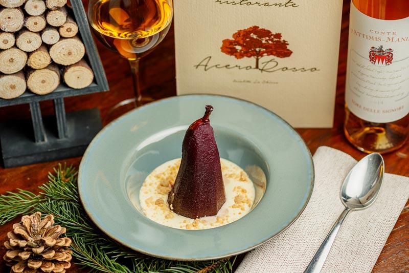 Pera cotta nel Vino rosso con Crumble e crema al Mascarpone